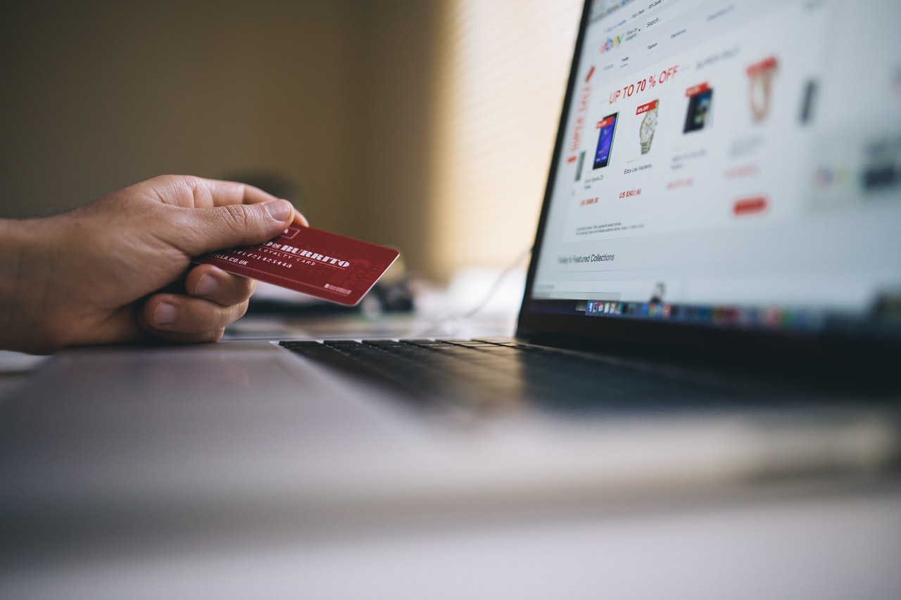 laptop credit card online shopping